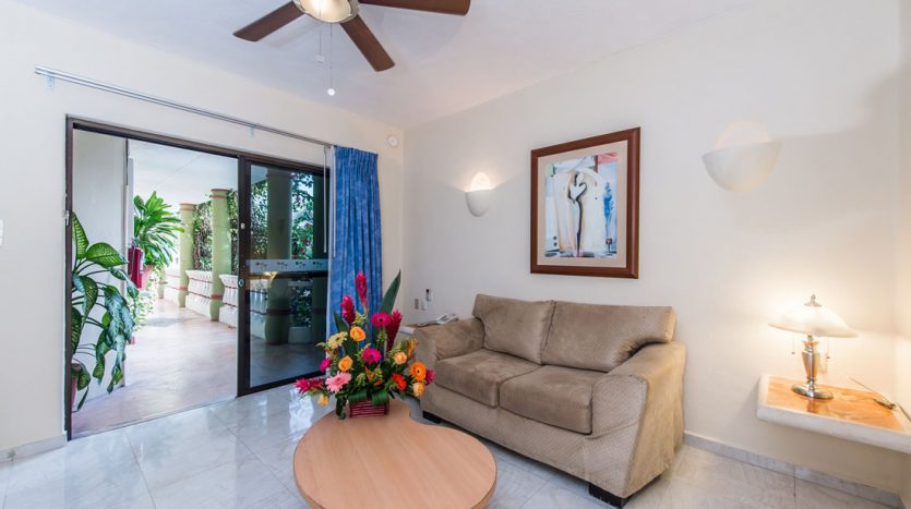 hotel for sale 22 playa del carmen 8 835x467 - Hotel for Sale #22