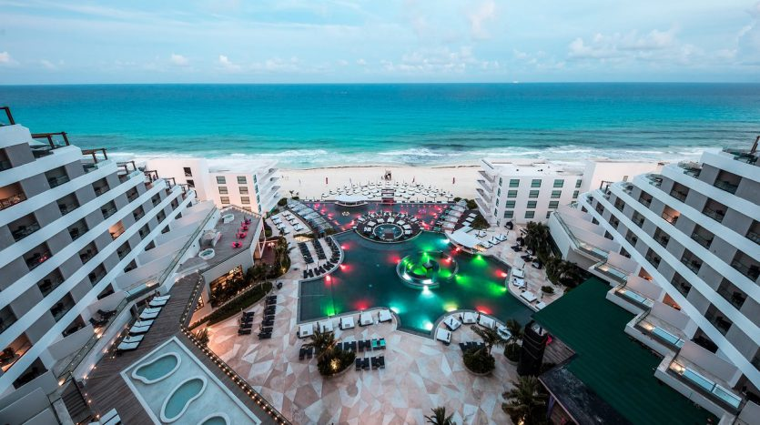 cancun hotel for sale 42 1 835x467 - Hotel for Sale #42